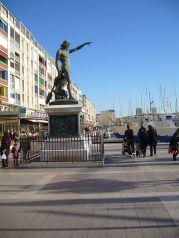Port de toulon statue de Cuverville